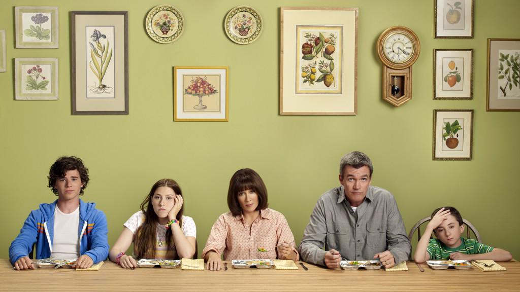 "THE MIDDLE - ABC's ""The Middle"" stars Charlie McDermott as Axl, Eden Sher as Sue, Patricia Heaton as Frankie, Neil Flynn as Mike and Atticus Shaffer as Brick. (ABC/DIANA KOENIGSBERG)"