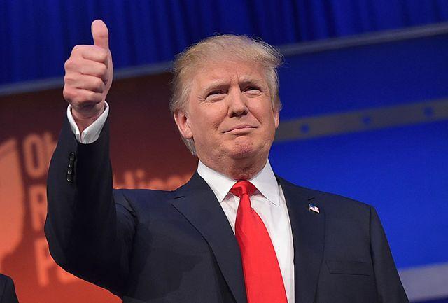 donald-trump-thumps-up